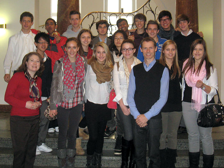 Franconian International School Students visit Globe Business College